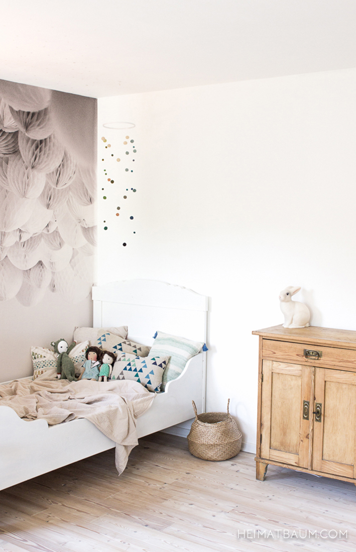 heimatbaum_white_girl_bedroom